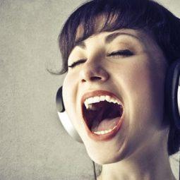 Mẹo cải thiện giọng hát hiệu quả